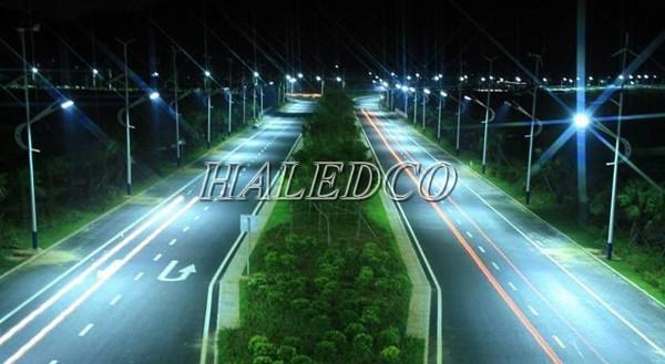 Mẫu đèn đường led công suất trên 100w chiếu sáng đường cao tốc